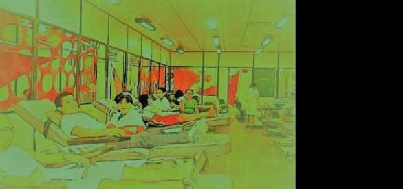 Foto do interior do hospital Márcio Cunha, pacientes em hemo-tratamentos - fonte: google.