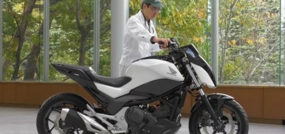 Honda Ride Assist Self-Balancing self-driving Motorcycle. Image Credit: Top 10/Youtube.com