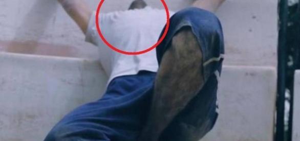 Preso é decapitado em vídeo do EI - Google