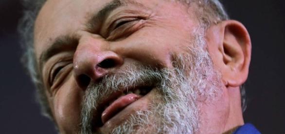 Lula continua liderando a corrida presidencial, mesmo com denuncias na justiça