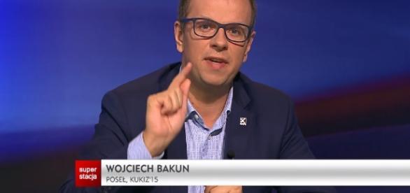 """Wojciech Bakun w programie """"Rozmowa dnia"""" (źródło: youtube.com)."""