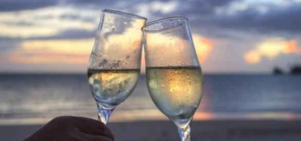 All passengers on international Delta Air Lines flights will receive a free glass of Prosecco [Image credit Pixabay/CC0]