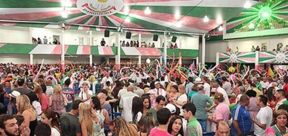 Final na Estação Primeira de Mangueira agitou o fim de semana