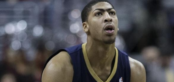 Anthony Davis, Pelicans at Wizards 2/22/14 [Image by Keith Allison|Wikimedia Commons| Cropped | CC BY-SA 2.0 ]
