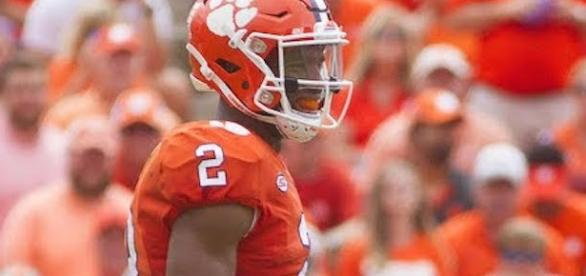 Clemson quarterback Kelly Bryant may not participate in tonight's road game at Syracuse. [Image via CBS Sports/YouTube]