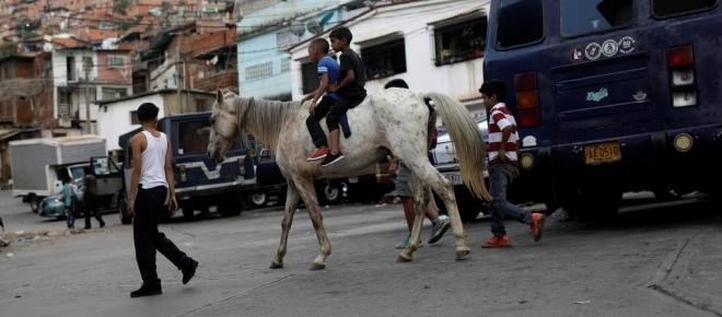 FMI anuncia aumento de la crisis en Venezuela