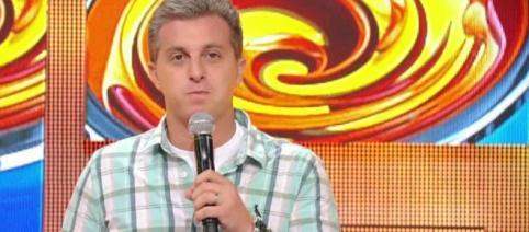Luciano Huck pede perdão ao Brasil