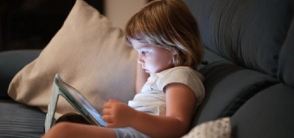 Letting a baby or toddler use a smartphone or tablet may lead to delays in talking (WebMD/Twitter).