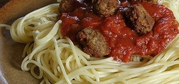Spaghetti and meatballs for National Pasta Day [Image: Maky Orel/pixabay.com]