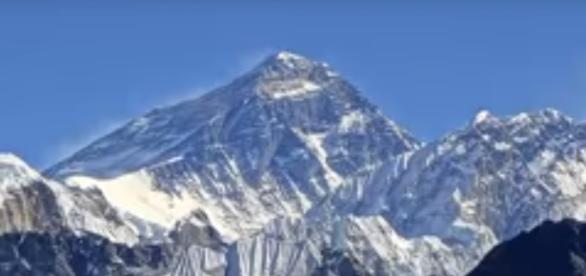 Top four highest mountains in the world{image via oscarz21/YouTube screencap}