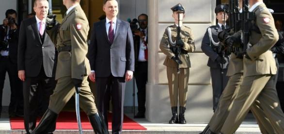 Erdogan w Warszawie (fot. wyborcza.pl)