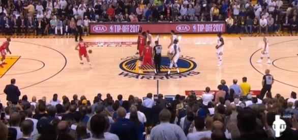 Houston overcomes a 17-point deficit and takes the win against Golden State. [Image Credit: Ximo Pierto/Youtube]