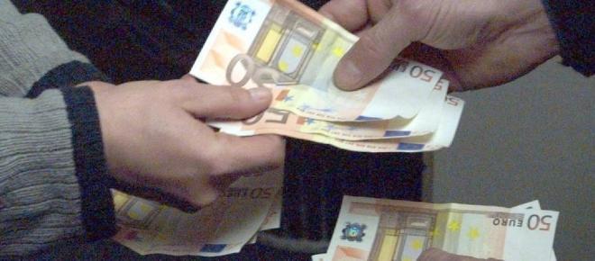 Taranto, arrestato ex bancario per prestiti ad usura