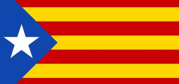 The Estelada, the Catalan flag of independence (Image Credit: Huhsunqu/Wikimedia Commons).