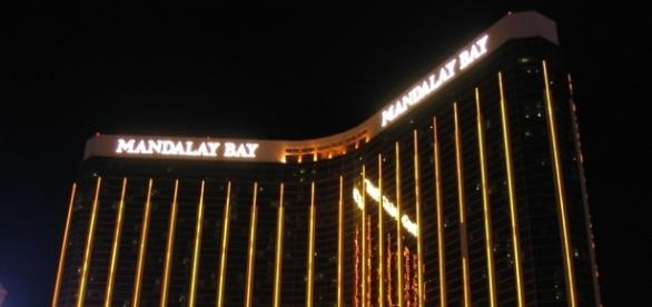 The gunman apparently shot into the crowd at the Las Vegas strip from the Mandalay Bay's 32nd floor. (Image Credits: Ken Lund/'Flickr')