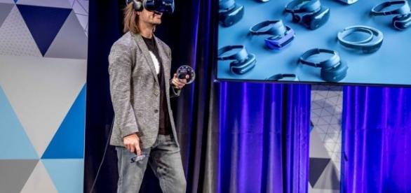 La presentazione dei dispositivi per la Windows Mixed Reality a San Francisco