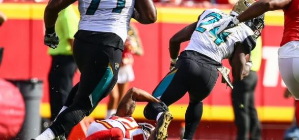 T. J. Yeldon took advantage of the absence of Leonard Fournette from the Jaguars' backfield. Image Source: Flickr | Andrew Mather