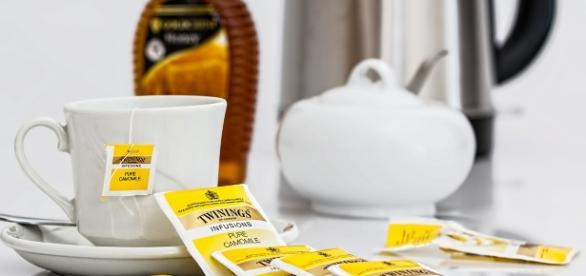 Tea is a great alternative to coffee. [Image via Pixabay]