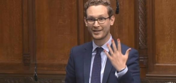 MP Darren Jones shows his painted nails in the House of Commons.