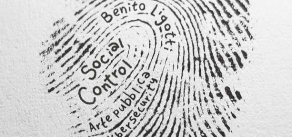 Mostra social control Milano a cura di Benito Ligotti