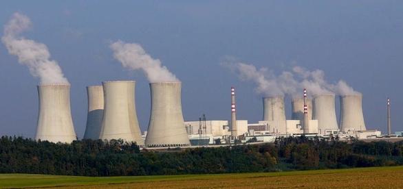 Nuclear power plant. (Photo via: [Wikimedia Commons]).