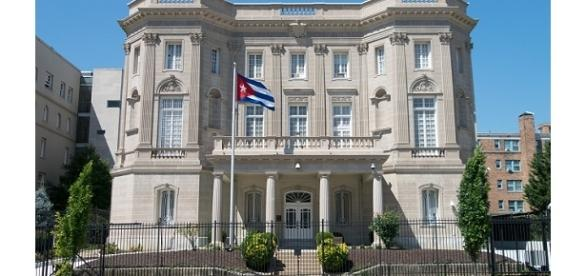 Embassy of the Republic of Cuba in Washington, D.C photo by Difference engine | [Image from Wikipedia CC BY-SA 4.0]
