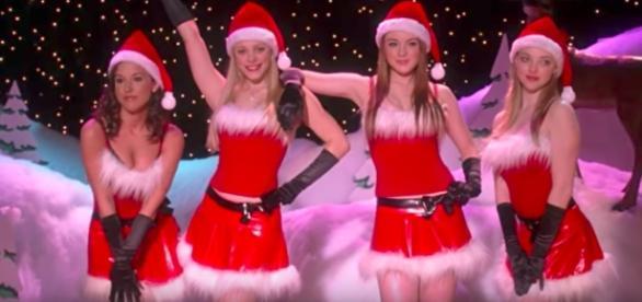(L-R) Lacey Chabert, Rachel McAdams, Lindsay Lohan & Amanda Seyfried-Youtube/armister