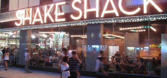 Shake Shack in New York [Image by Shinya / Flickr]