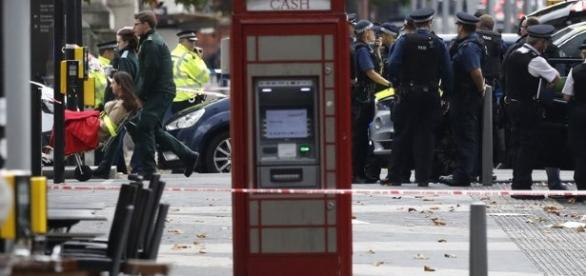 Incidente deixou 11 feridos em Londres. Polícia não acredita em ataque terrorista.