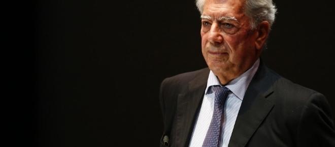 Mario Vargas Llosa marcia contro l'indipendentismo catalano