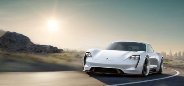 Alfa Romeo, Ferrari, and Porsche light up Frankfurt Motor Show ... - themotorhood.com