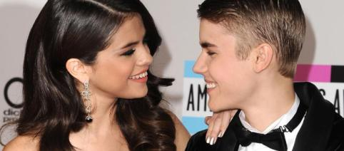 Justin Bieber and Selena Gomez reconnect | Teenzone - teenzonemagazine.co.za