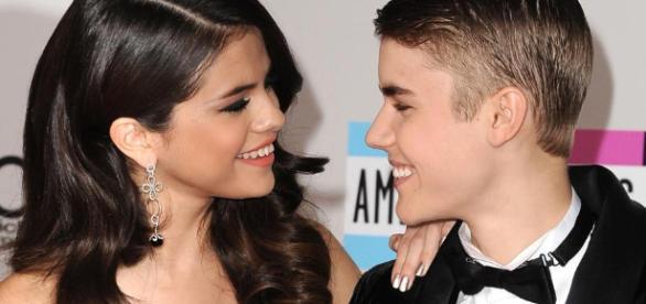 Justin Bieber and Selena Gomez reconnect | Teenzone - teenzonemagazine.co.za