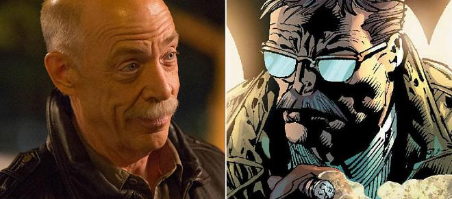 Justice League's Commissioner Gordon Is An Ex-Marine