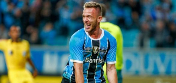 European superpowers are interested in snagging 21-year-old Gremio ace Arthur's signature - com.br