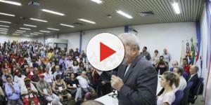 Ex-presidente Lula participou neste domingo (19), de congresso realizado pelo PCdoB