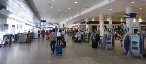 Aeroportul din Montreal (Canada). Din decembrie 2017 românii nu vor mai avea nevoie de viză pentru a ajunge pe teritoriul Canadei