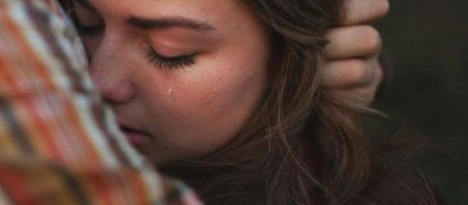 Llorar y gritar no solo alivia el alma, también te libera cargas emocionales