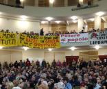 La platea dell'assemblea per una lista popolare di sinistra del 18 novembre (Foto esclusiva Maurizio Ribechini)