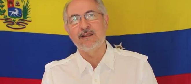 El líder de la oposición Antonio Ledezma llegó a Madrid