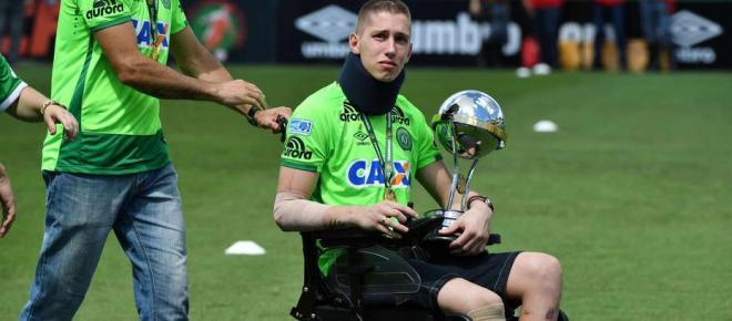 Sobreviviente del Chapecoense que perdió una pierna volvió a las canchas