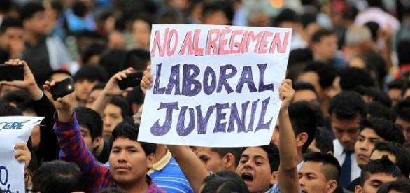 Huelga general de jóvenes por mejoras en régimen laboral