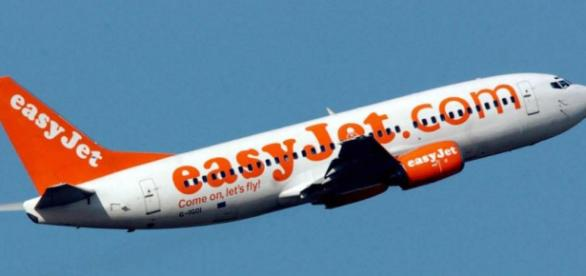 Unaccompanied child taken off EasyJet plane and left at gate after ... - telegraph.co.uk