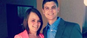 Catelynn Lowell poses with husband. [Photo via Facebook]