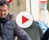 Fabrizio Frizzi a passeggio con moglie e figlia
