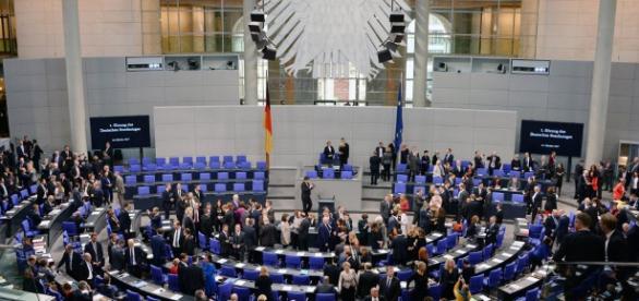 Der aktuelle Bundestag - Müssen wir ihn wirklich schon neu wählen?
