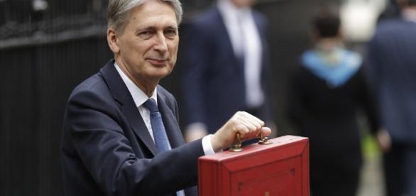 Budget 2017: Philip Hammond lays groundwork for Brexit ... - capitalgrio.com