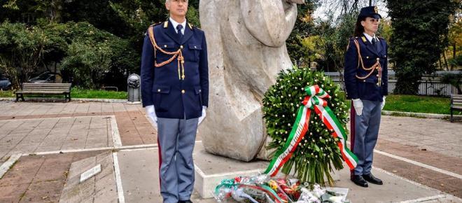 Al quartiere Prati deposta una corona al Monumento ai caduti