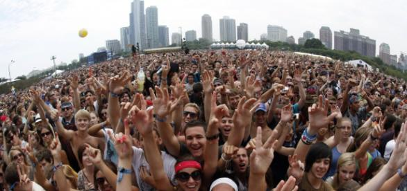 5 Great Ways to Make Your Fans Love You — Team RnB Music ... - teamrnbmusic.com