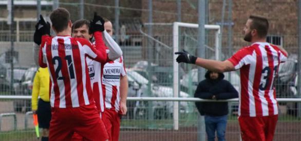 Kreisoberliga-Primus Gispersleben lässt derzeit nichts anbrennen. Hier siegte das Team 4:1 im Kreispokal beim FC Union. Foto: Martin Bogatz